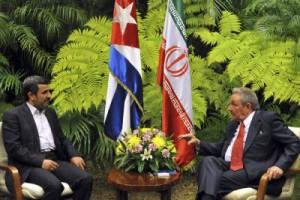 Ahmadinejad meets Raul Castro